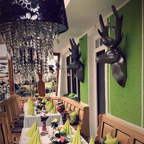 restaurant-600x600-hirsch10835427-307F-960C-8BA9-09A06A9DDA68.jpg