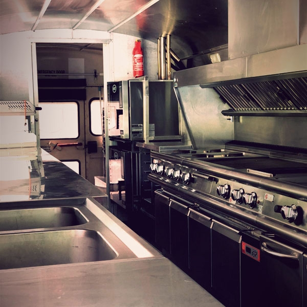scharnagl-foodtruck-kitchen-gallery-600x6001DBBA486-BBE0-63FF-8B74-D079833DB557.jpg